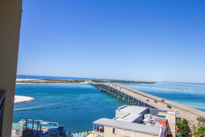 10 HARBOR BOULEVARD UNIT W528 DESTIN FL