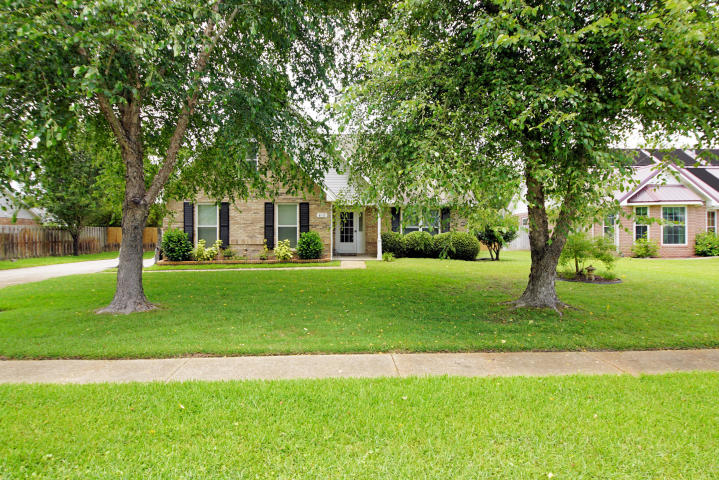 812 LINDA DRIVE MARY ESTHER FL