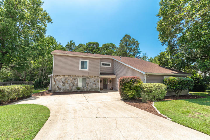 41 RIDGELAKE DRIVE MARY ESTHER FL