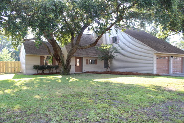 301 TIMBERLAKE COURT MARY ESTHER FL
